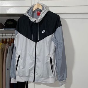 Nike windrunner windbreaker jacket